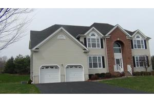 14 Keswick Cir, Monroe Twp, NJ 08831