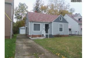 4384 Ingleside Rd, Warrensville Heights, OH 44128
