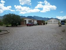 5710 S Mountain Side Ln, Hereford, AZ 85615