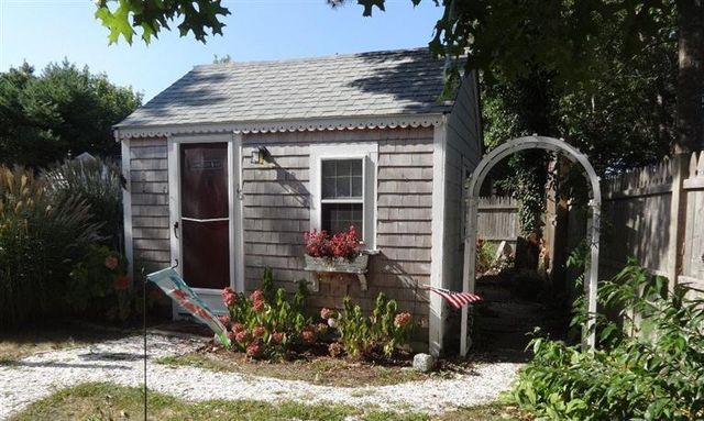 Cape cod 39 s tiniest cottage for sale westford ma patch for Cape cod beach homes for sale
