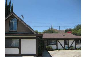 11711 Gain St, Lakeview Terrace, CA 91342