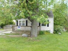 5532 Chestnut St, Mentor On The Lake, OH 44060