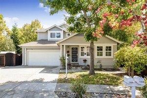1064 Gaddis Ct, Santa Rosa, CA 95404