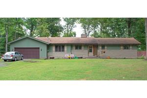 1265 Forest Dr, Lima, OH 45805