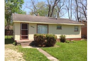 3030 Raywood St, Flint, MI 48504