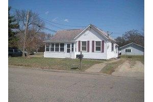 1100 S Beaumont Rd, Prairie Du Chien, WI 53821