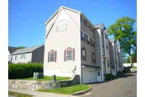 65 Seaside Ave # 1, Stamford, CT 06902