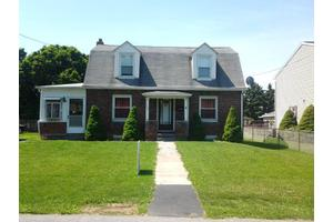 2410 S 5th St, Steelton, PA 17113