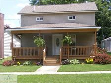 126 N Franklin St, Maple Rapids, MI 48853