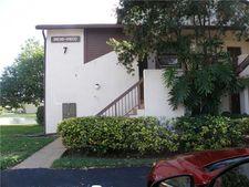 9844 Nob Hill Ct, Sunrise, FL 33351