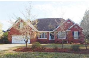 804 Chaucer Dr, Florence, SC 29505