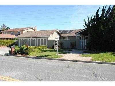 12486 Sumner Dr, Saratoga, CA