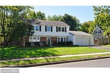 13219 Pressmont Ln, Fairfax, VA 22033