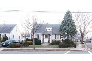 2741 Summit Ter, Linden, NJ 07036