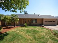 445 72nd Pl, Springfield, OR 97478