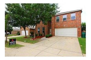 6012 Photinia Ave, Denton, TX 76208
