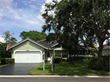 5471 Pine Ct, Coral Springs, FL 33067