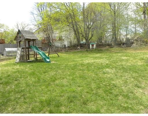 28 Central Ave, Dudley, MA 01571