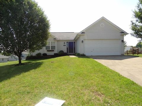 30 Pleasant Ct, Monroe, OH 45050
