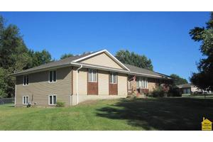 515 W 6th St, Appleton City, MO 64724