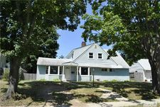 4 The Plains Rd, Levittown, NY 11756