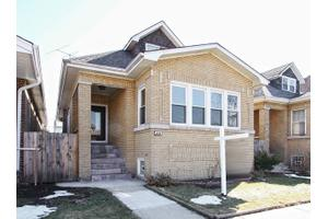 6545 N Fairfield Ave, Chicago, IL 60645