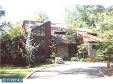 1426 Dogwood Ln, Huntingdon Valley, PA 19006