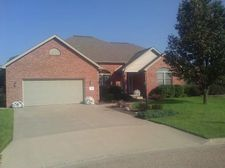 225 Thornton Ct, East Peoria, IL 61611