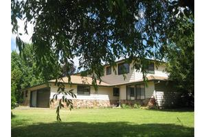 1555 Pine Grove Rd, Rogue River, OR 97537
