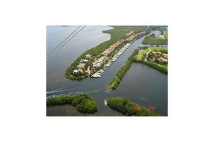 6147 Paradise Point Dr, Palmetto Bay, FL 33157