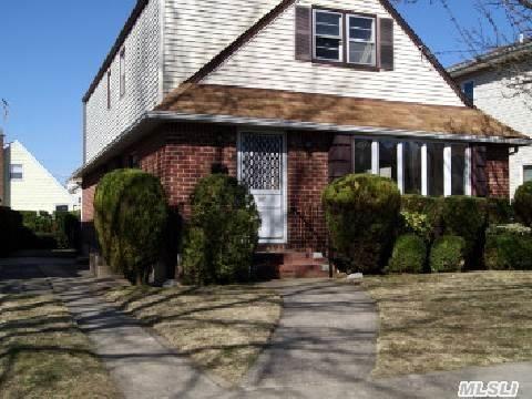 527 N 10th St New Hyde Park, NY 11040