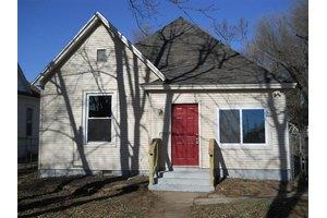 915 W Poplar St, Springfield, MO 65802