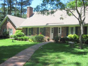 614 Sherwood Rd, Starkville, MS 39759