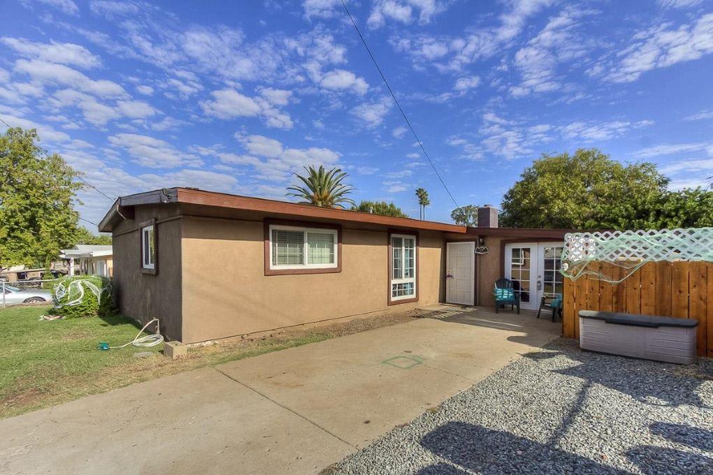 9243 Fairlawn St Santee, CA 92071