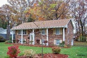 1240 Claythorne Dr, Johnstown, PA 15904