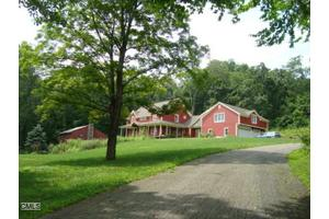 104 Rock House Rd, Easton, CT 06612