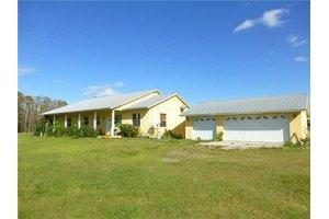 615 Deer Pond Rd, Osteen, FL 32764