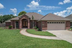 2406 Post Oak Dr, Orange, TX 77632