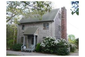16 Mattarest Ln, Dartmouth, MA 02748