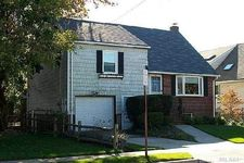 597 9th St, West Hempstead, NY 11552