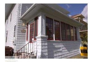 739 Princeton Ave, Lansing, MI 48915