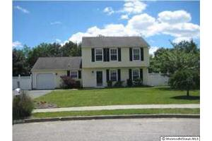 810 Blenheim Dr, Brick, NJ 08724