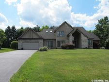 55 Sutton Pt, Pittsford, NY 14534