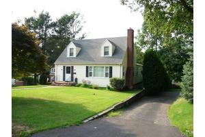 34 Ingleside Ave, Norwalk, CT 06850