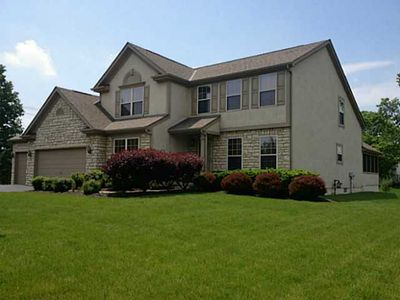 1775 Harrison Pond Dr, New Albany, OH