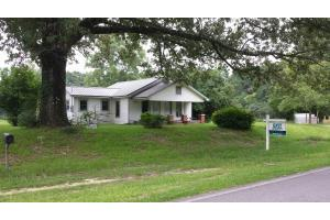 2482 County Rd 147, Paxton, FL 32538