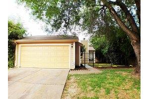11802 Spring Grove Dr, Houston, TX 77099