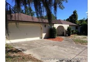 5474 Lloyd Dr, Spring Hill, FL 34607