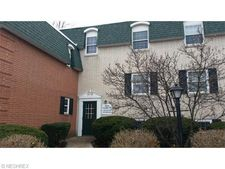 4789 Columbia Rd Unit 1, North Olmsted, OH 44070