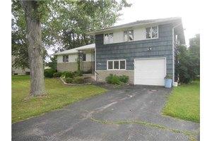 6960 Sy Rd, Wheatfield, NY 14304